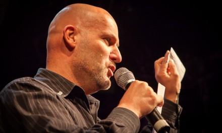 Der Moderator Joachim Rumohr